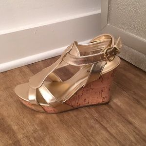 Guess metallic gold wedges